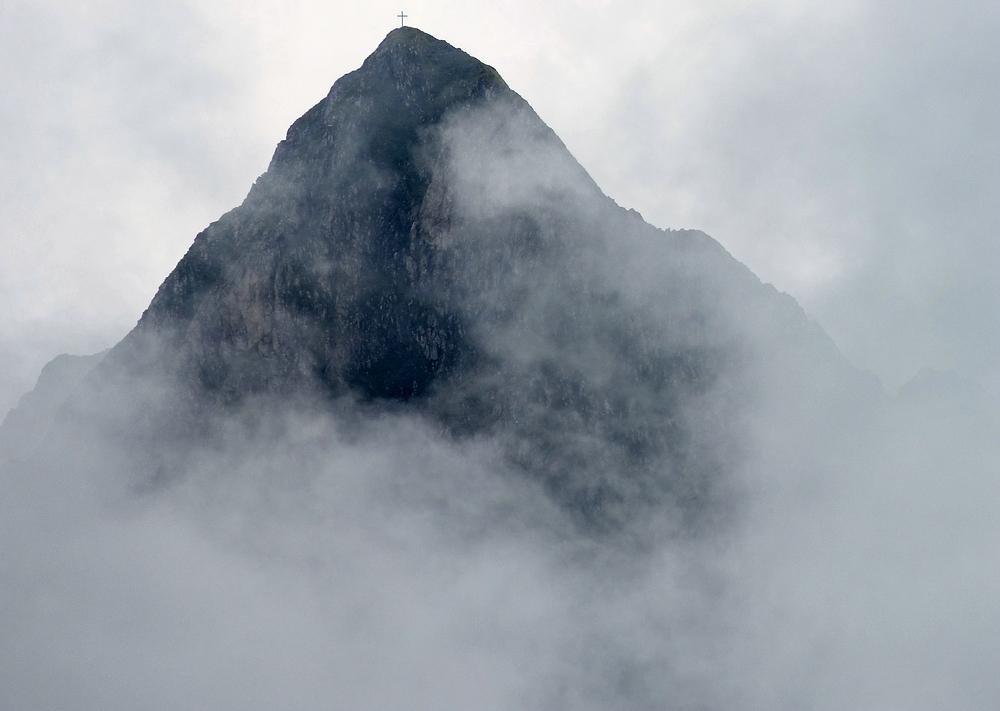 Höfats in Wolken