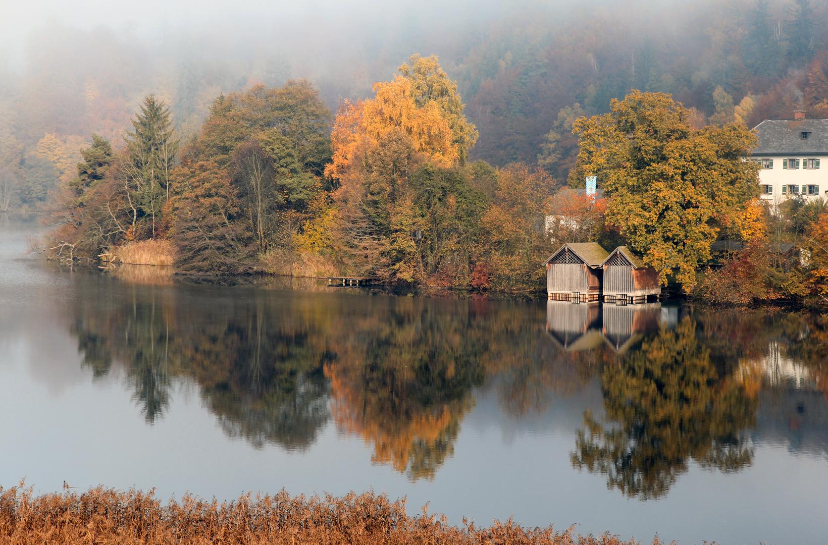 Höglwörther See im Herbst