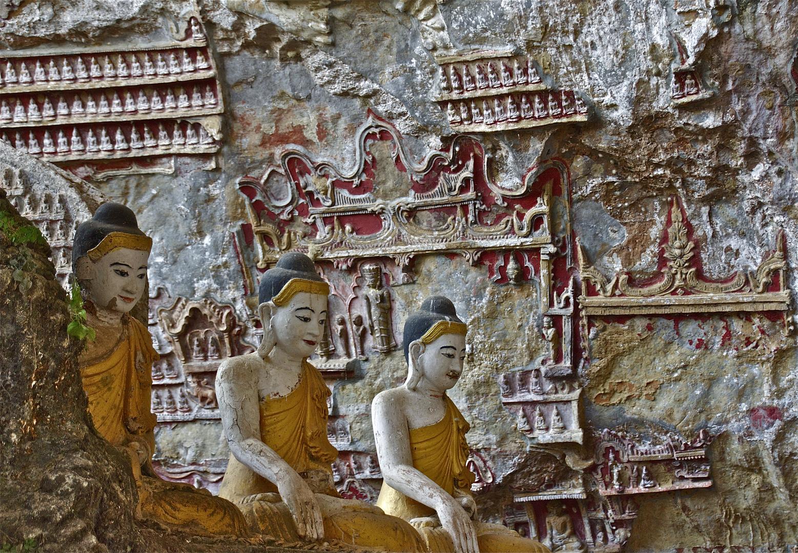 höhlenbuddha IV