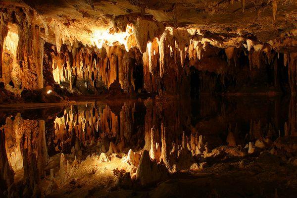 Höhlensee