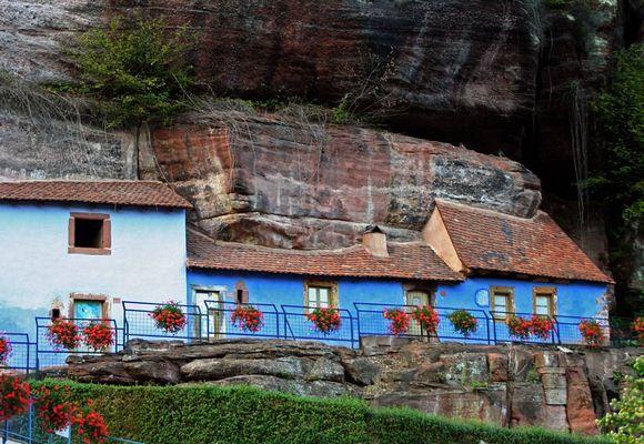 Höhlenwohnungen in Graufthal im Elsaß