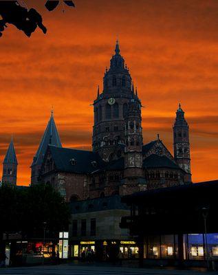 Höllenfeuer über Mainz