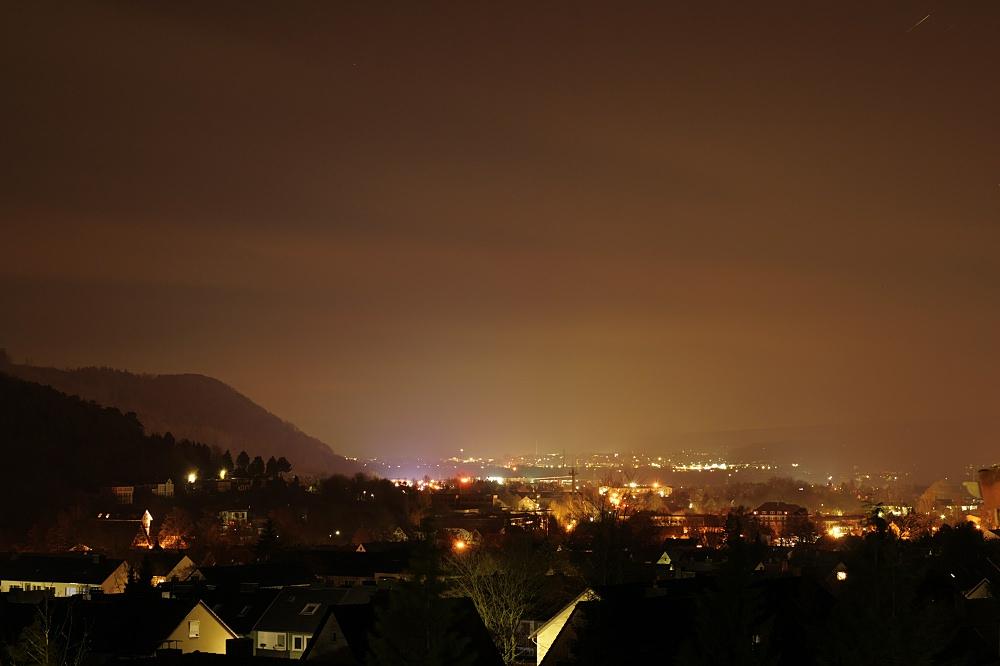 Höxter und Holzminden im Weserbergland bei Nacht