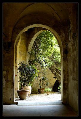 Hofeingang in der Toskana