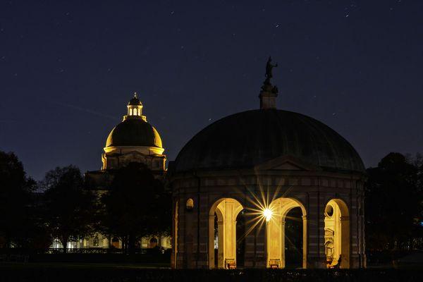 Hofgarten by night