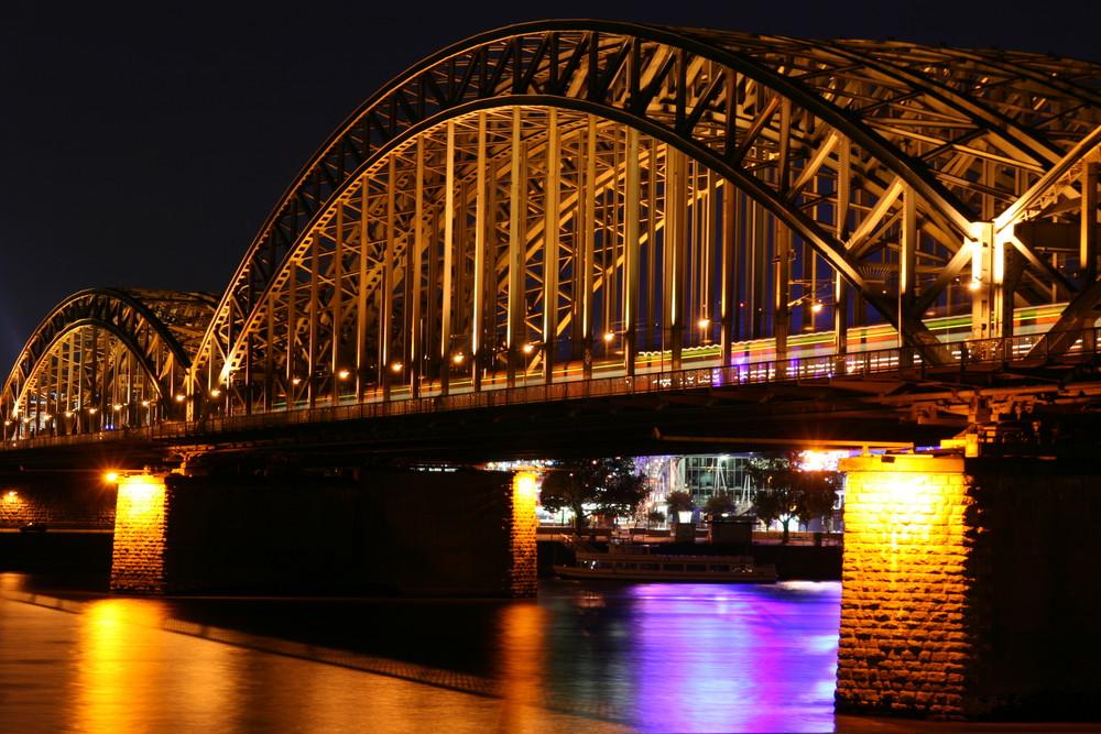 Hohenzollerbrücke - Köln