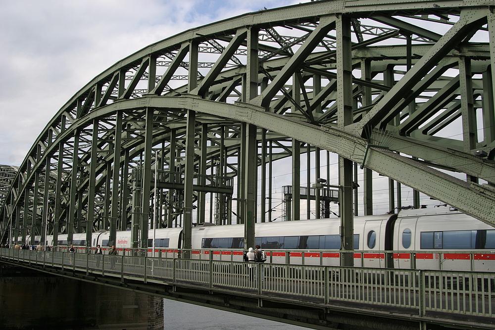 Hohenzollernbrücke...