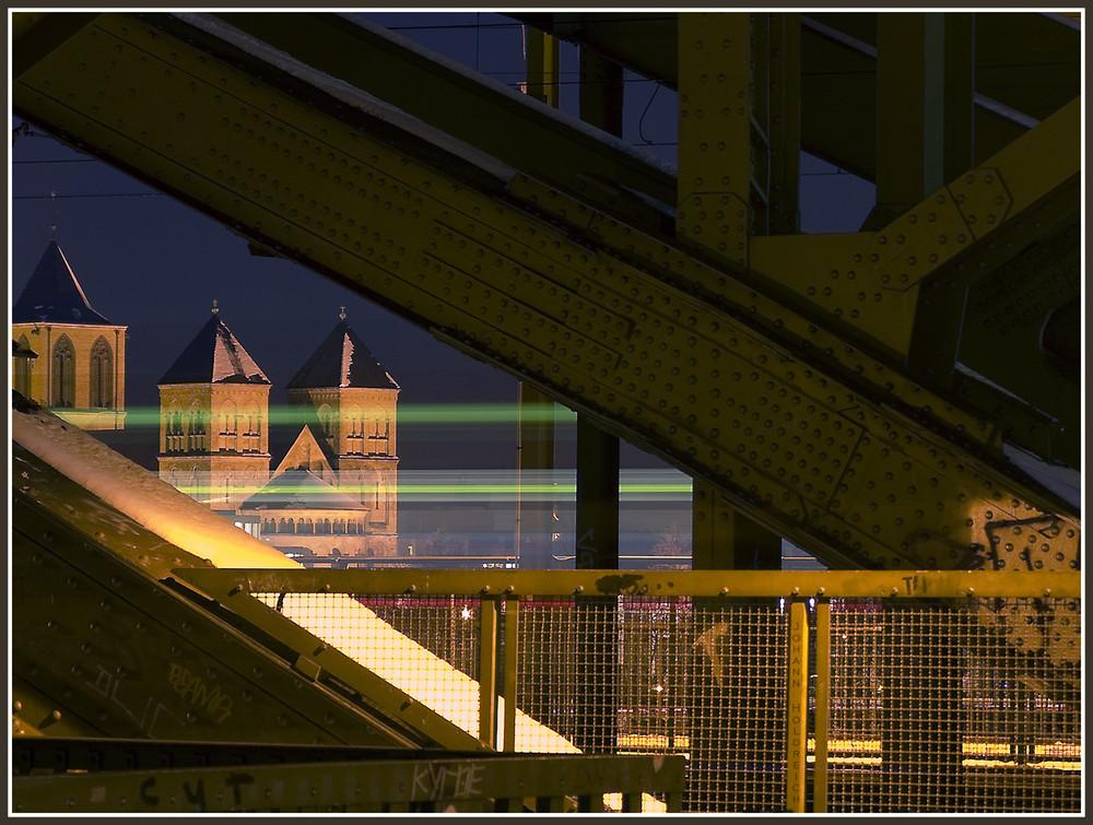 Hohenzollernbrücke bei Nacht 2009