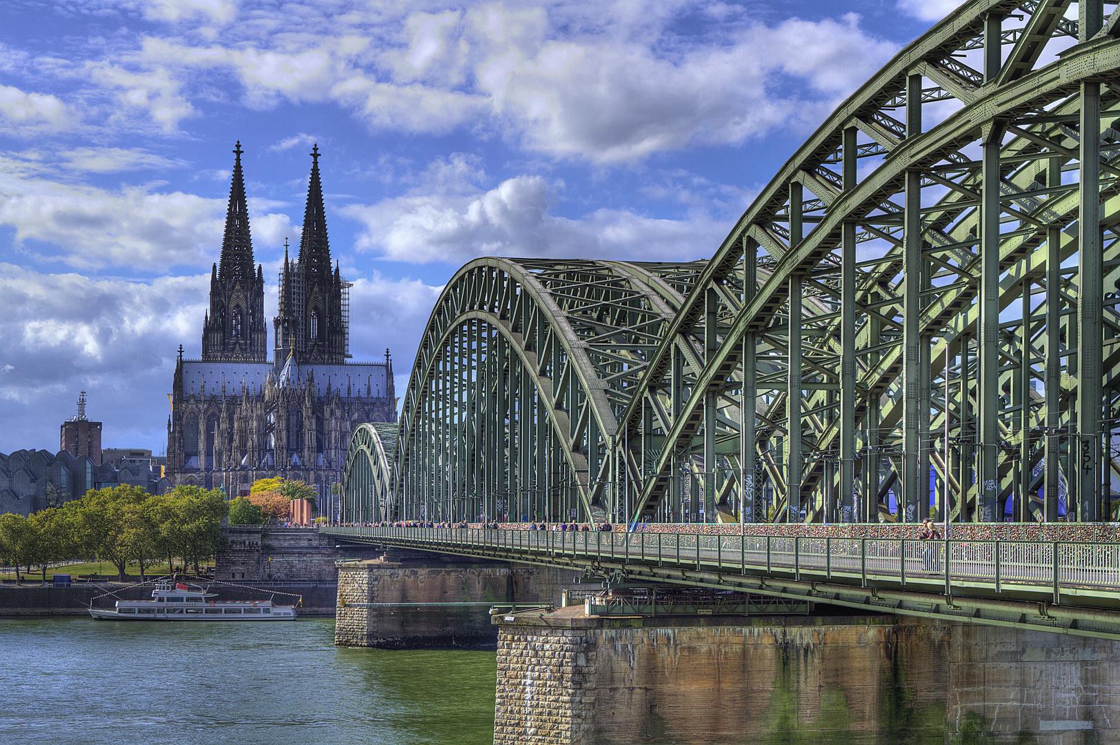 Hohenzollernbrücke in HDR