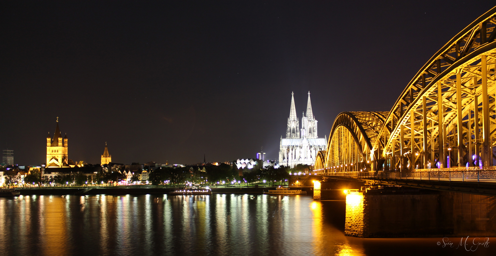Hohenzollernbruecke Koeln