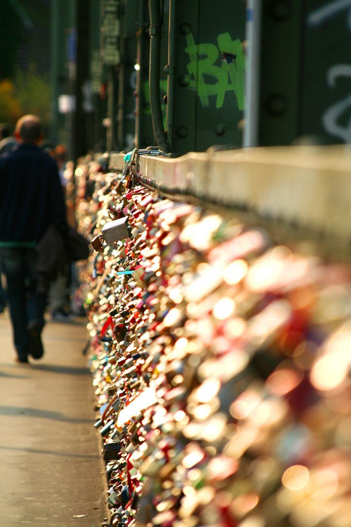 Hohenzollernbrücke mit Liebesschlössern