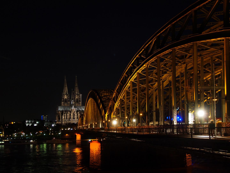 Hohenzollernbrücke und Dom