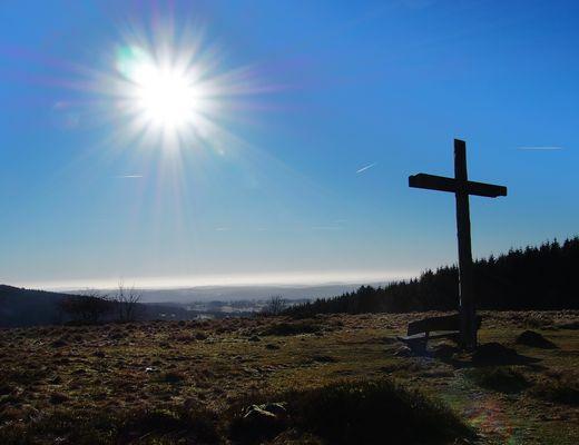 Hoherodskopf Breungeshainer Gackerstein Gipfelkreuz