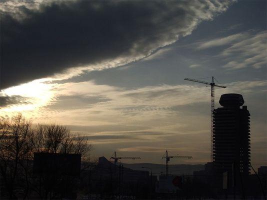 hoisting-crane