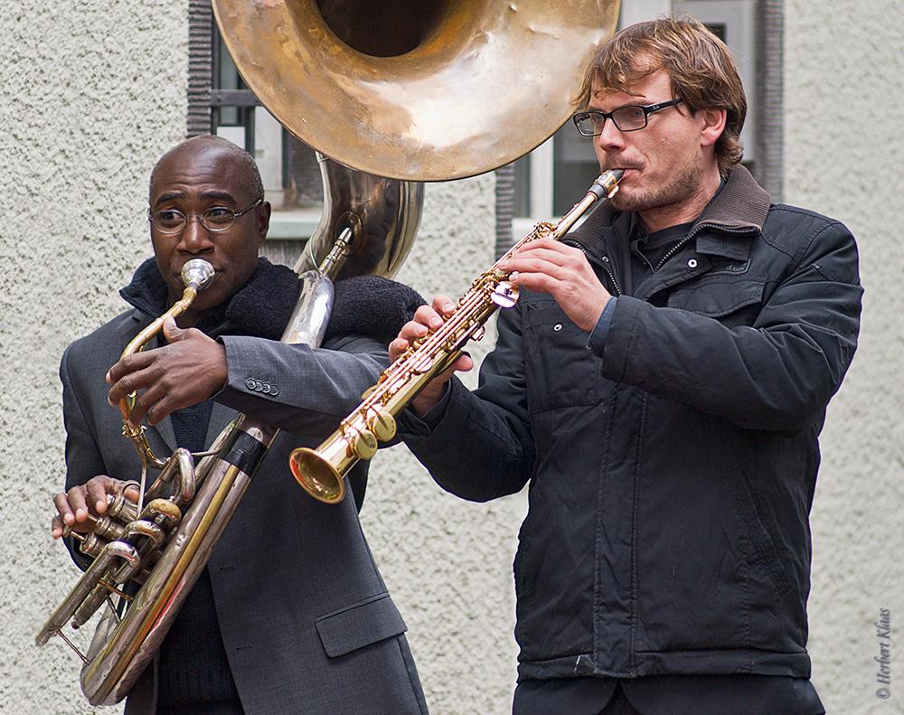 Holger Werner , Clive Fenton