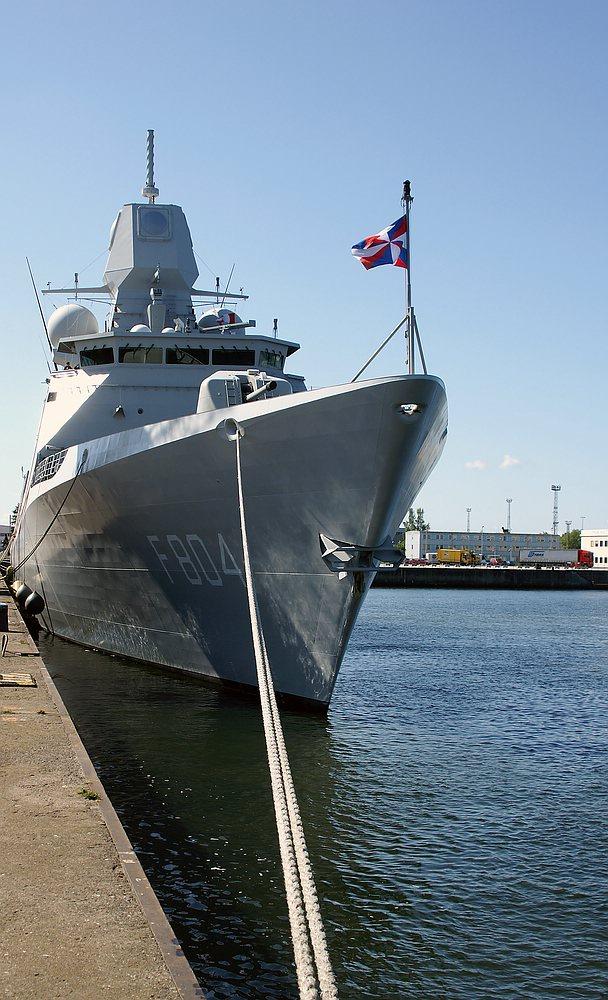Holländische Fregatte De Ruyter F 804