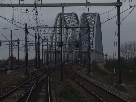 Holland, Brückenland