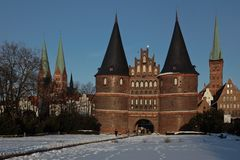 Holstentor im Winter