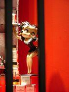 Holt mich hier raus,ich bin eine Puppe