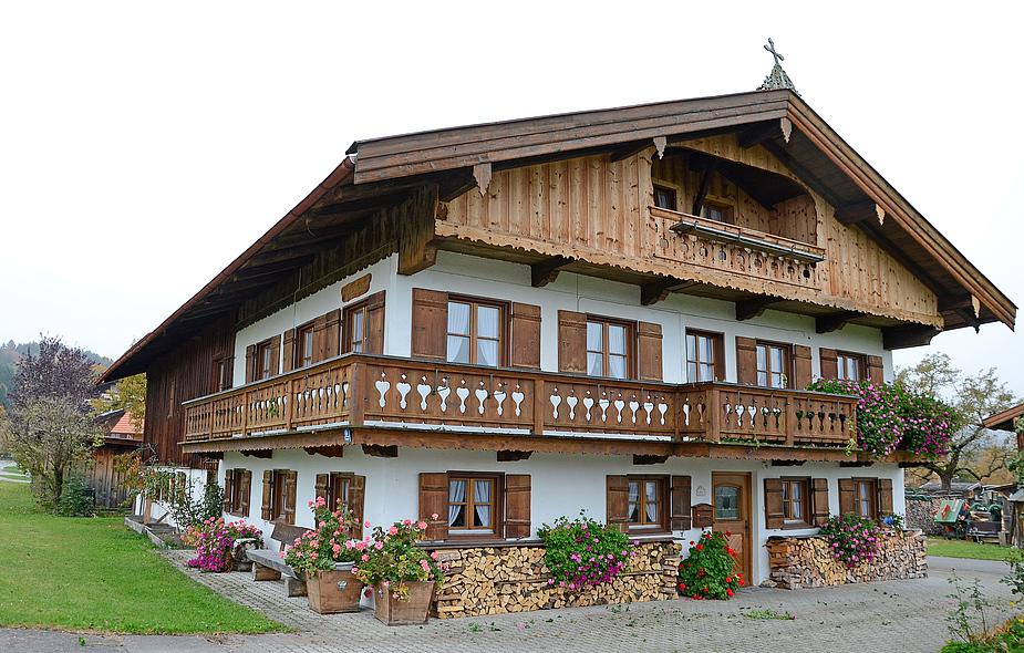 holz vor der h tten foto bild deutschland europe bayern bilder auf fotocommunity. Black Bedroom Furniture Sets. Home Design Ideas