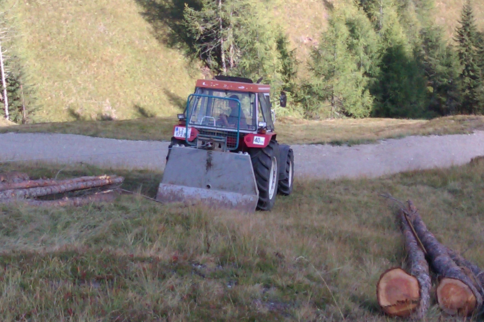 Holzarbeit in Kartitsch in Osttirol