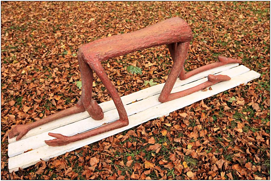 Holzgeschnitzte Skulptur
