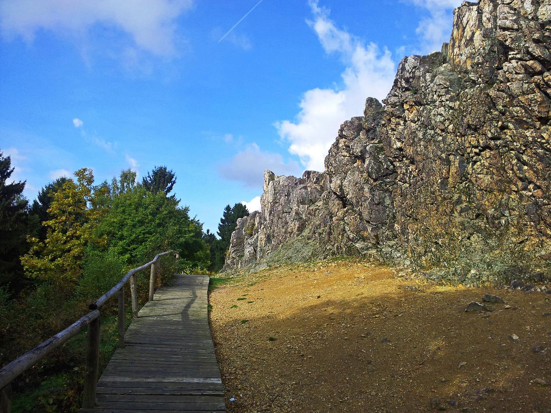 Holzsteg an den Eschbacher Klippen