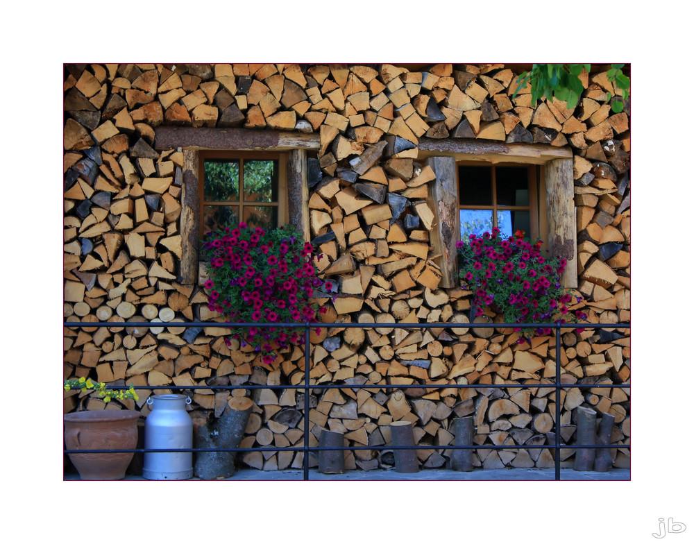 ...Holzwand...