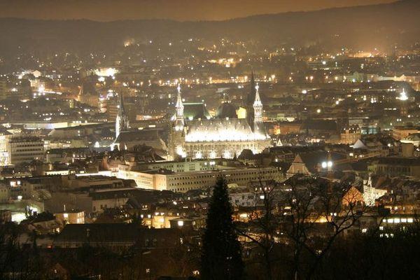 Home sweet home (Aachen@night)