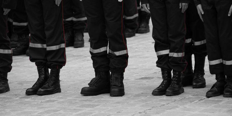 Hommages aux pompiers de France
