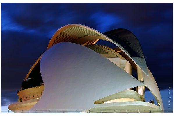 Hora azul en El Palau De Les Arts