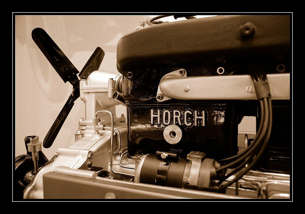 horch - 1 -