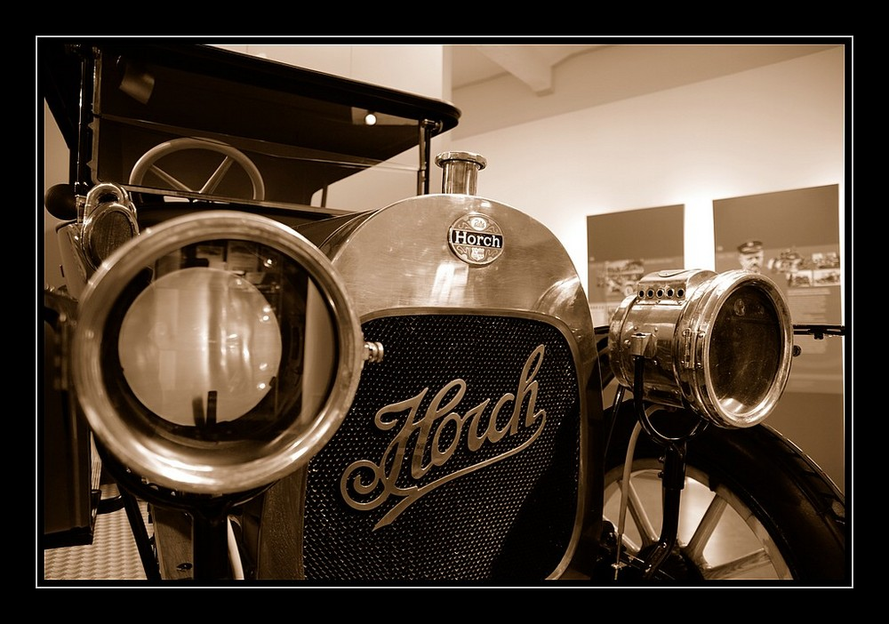 horch - 3 -