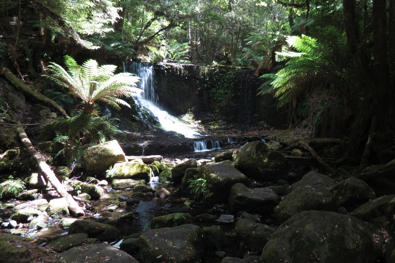 horseshoe waterfall