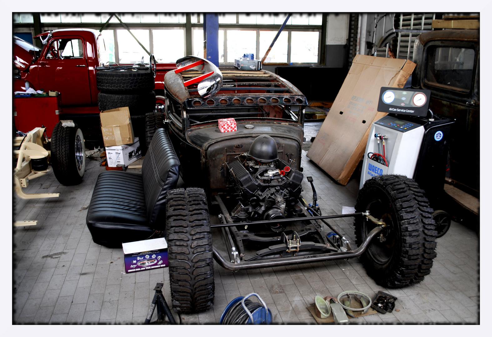 """"""" Hot Rod Garage """""""