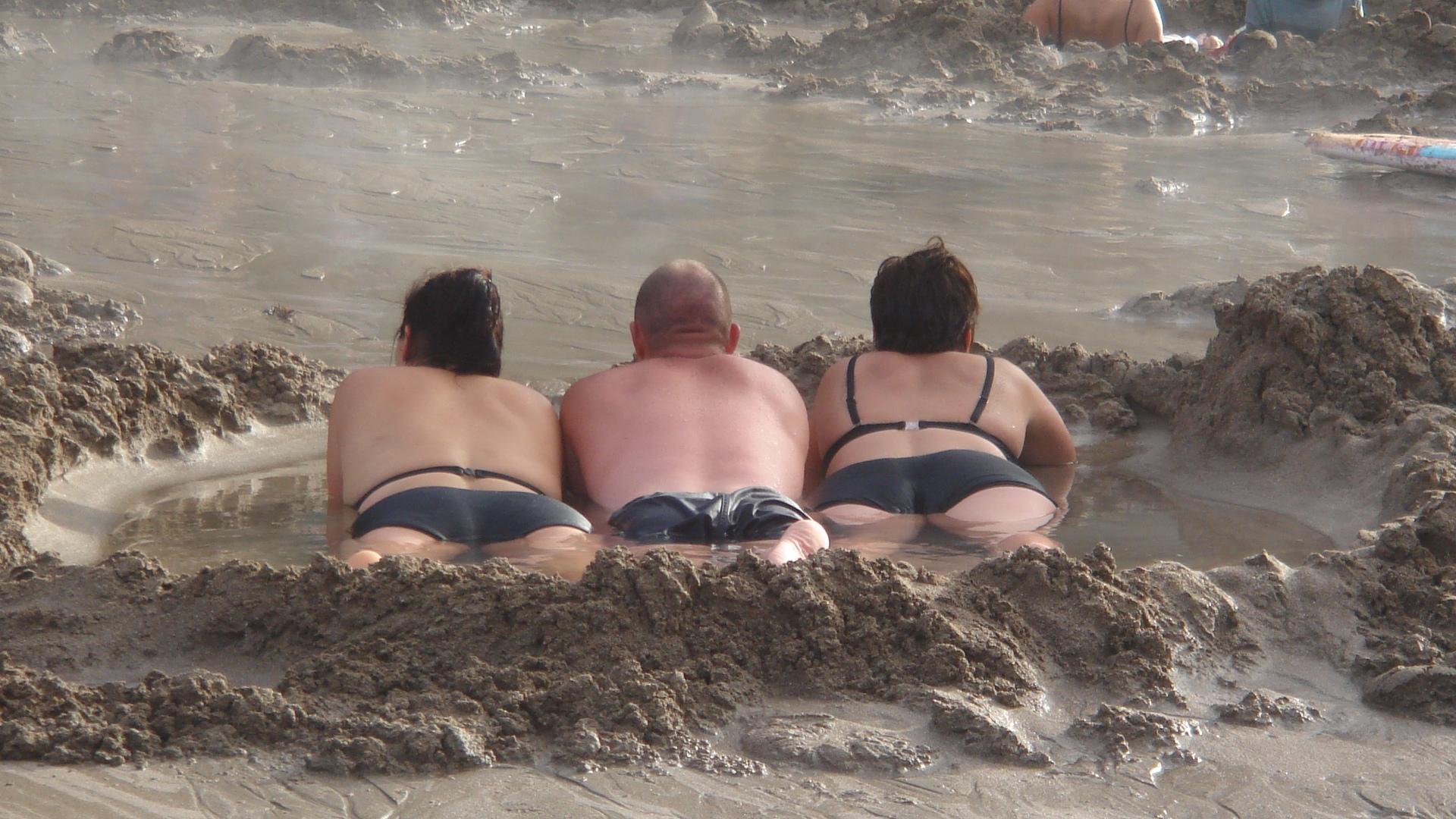 Hot water beach Coromandel NZ