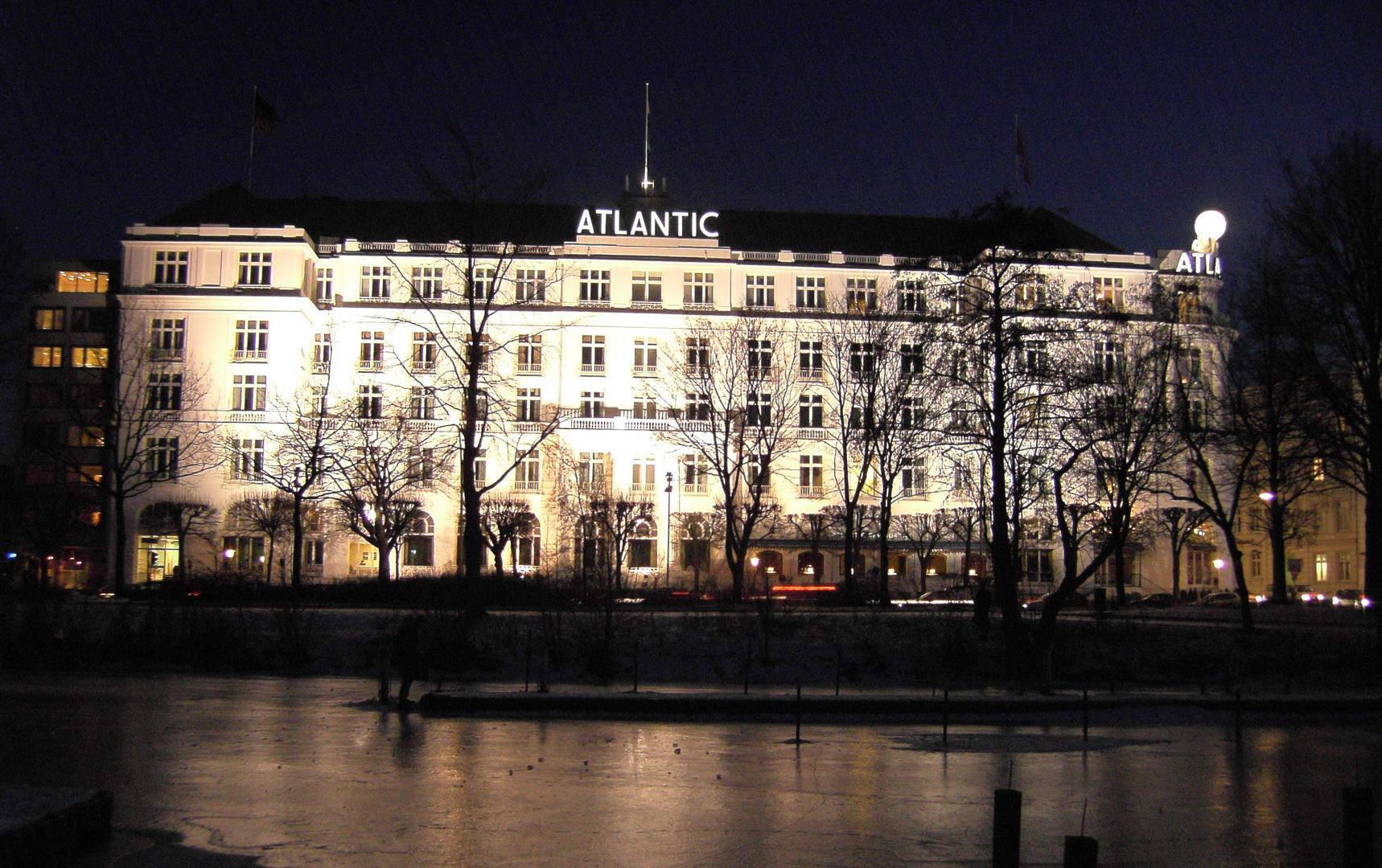 Inside Hamburg Hotel