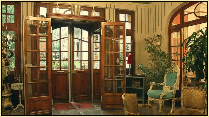 Hôtel de charme / l'entrée