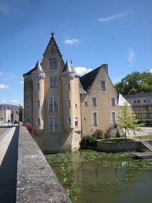 Hotel de Ville La Fleche (72)