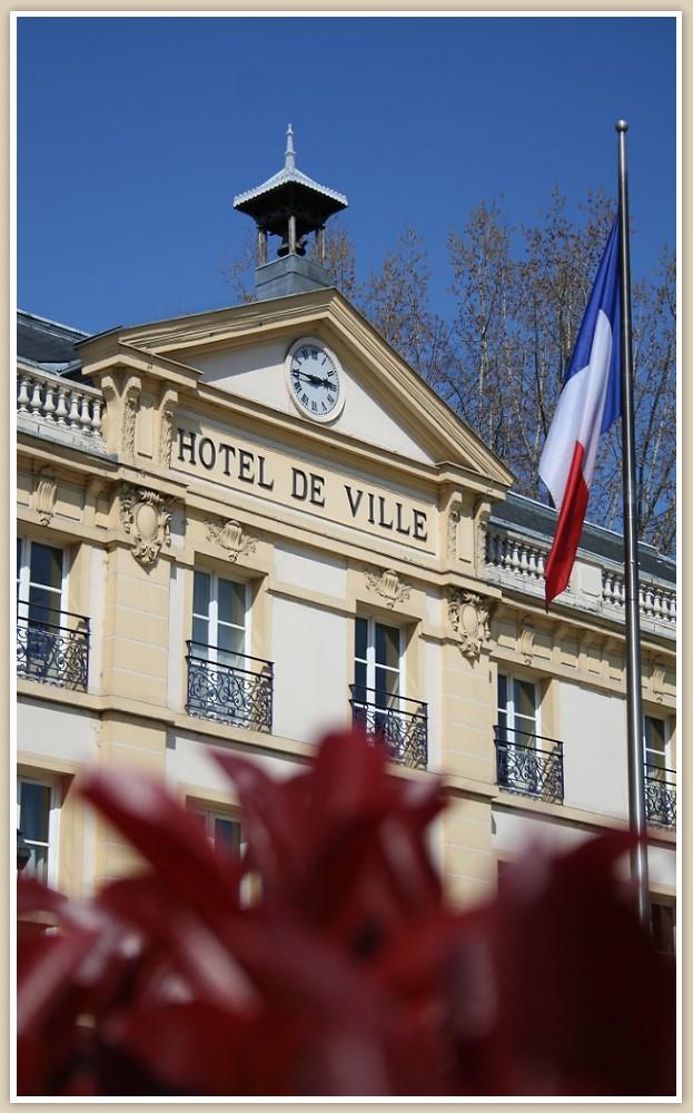 Hotel De Ville - Sèvres