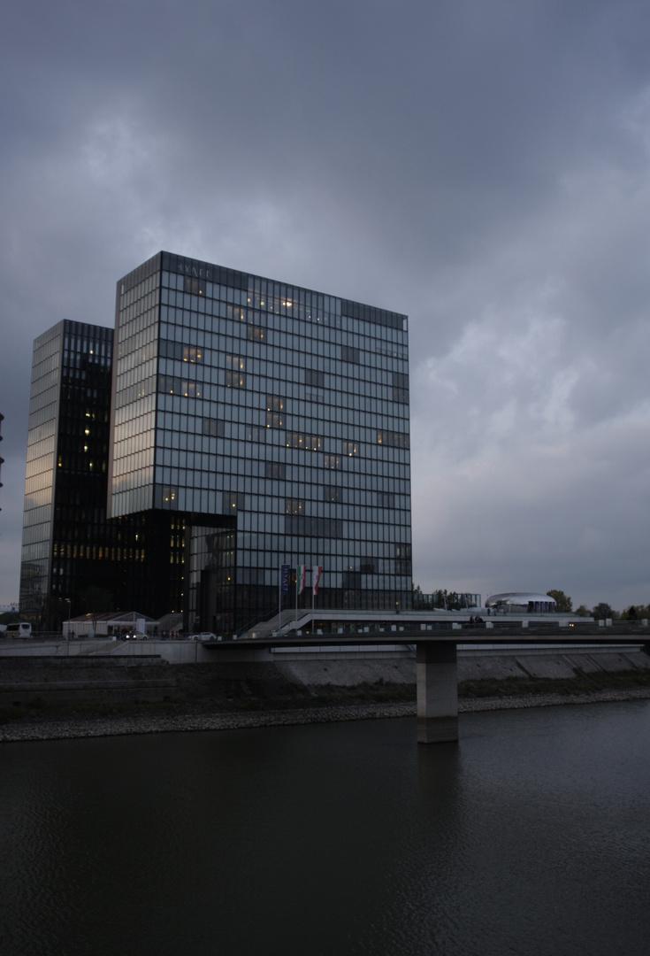 Hotel im Medienhafen