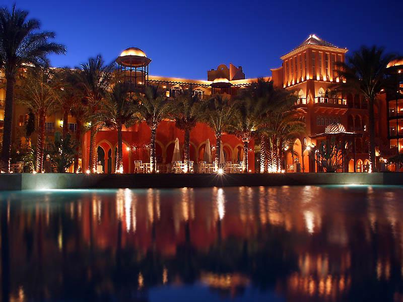 Hotel in Ägypten zur blauen Stunde