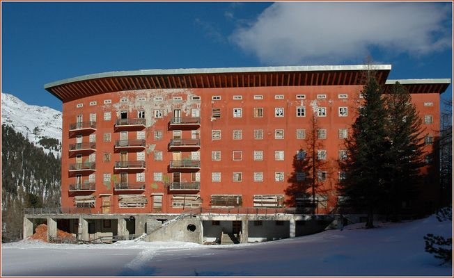 Hotel Paradiso, Martell. Teil 1