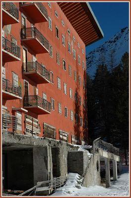 Hotel Paradiso, Martell. Teil 2