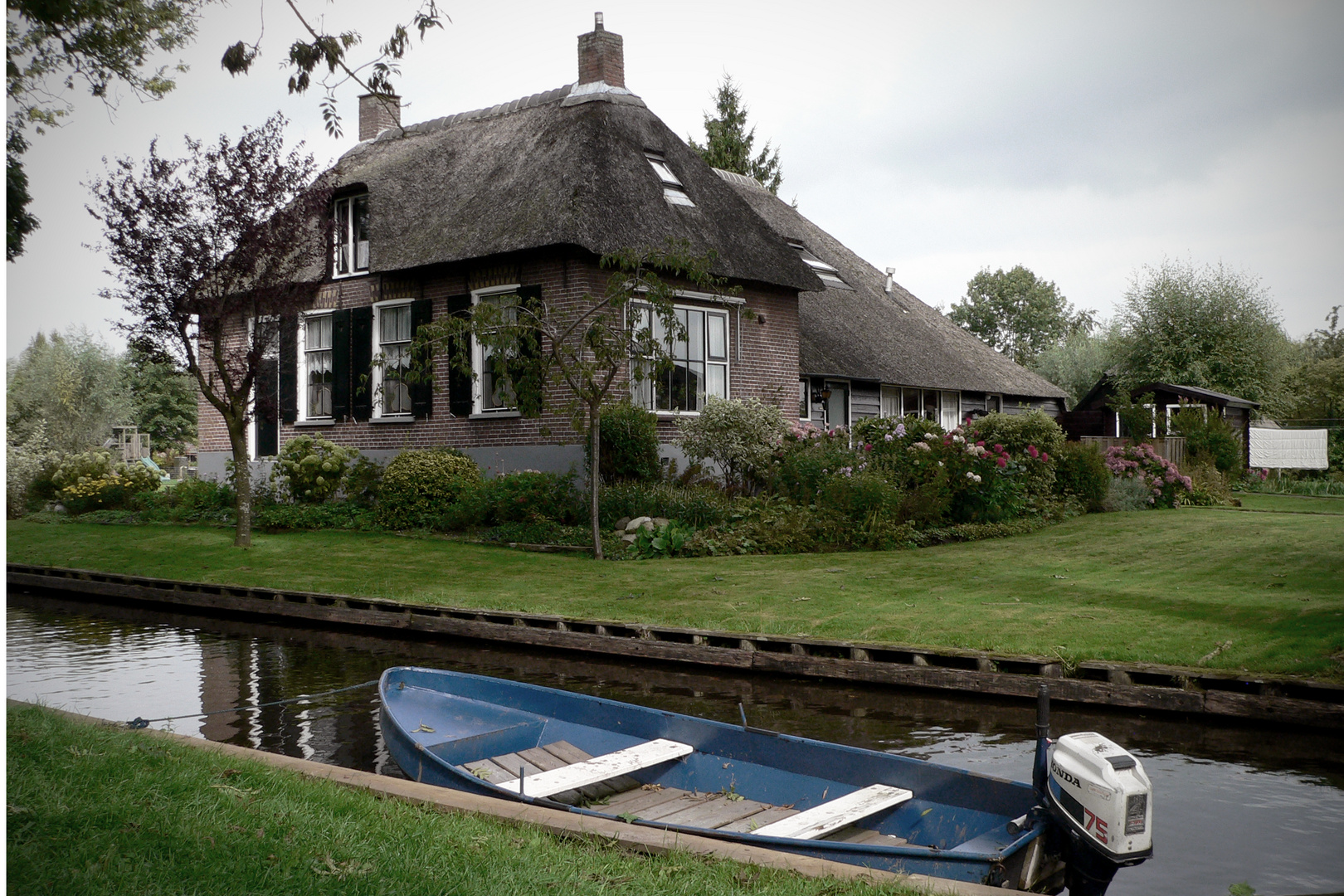 House And Boat !