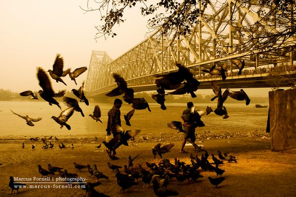 Howrah Bridge spanning the Hooghly River in Kolkata, India