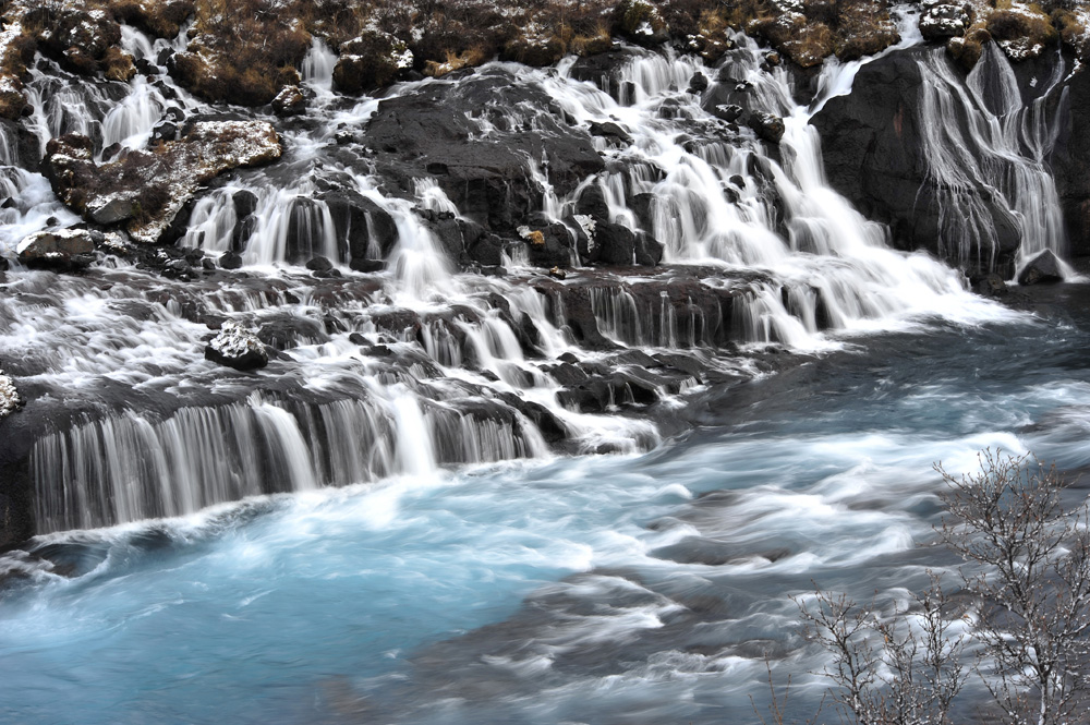 Hraunfossar, die Eiswasserfälle