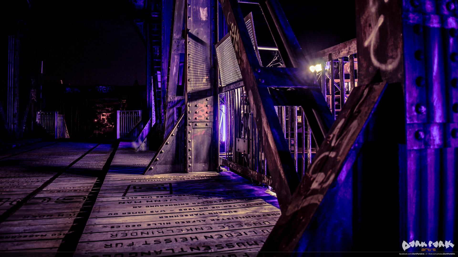 Hubbrücke bei Nacht