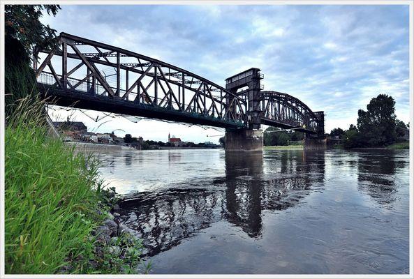 Hubbrücke Elbe - Magdeburg