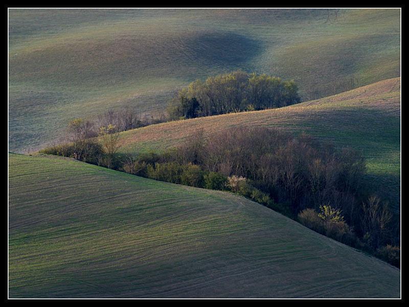 Hügel kurz nach Sonnenaufgang